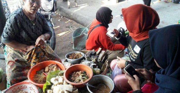 Dua Mahasiswa FIB Ikuti Riset Kuliner LIPI di Wonogiri